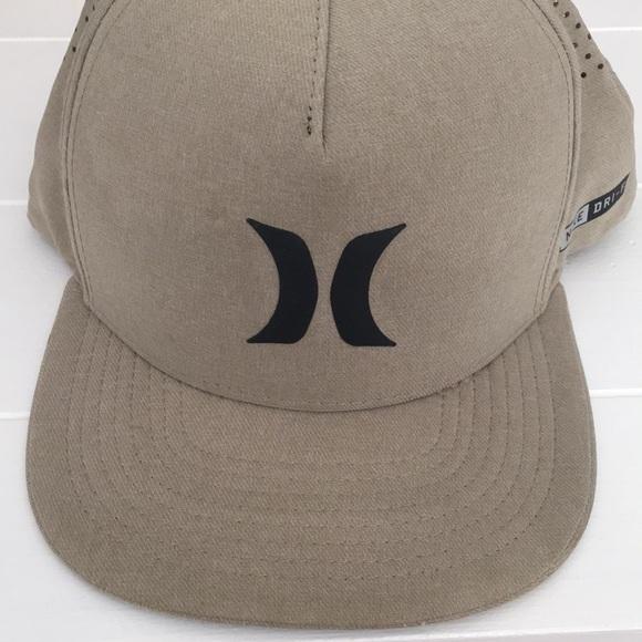 058f9eb435470 Hurley Other - Hurley dri-fit SnapBack tan hat